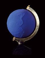 Klein_globe_terrestre_bleu_1962